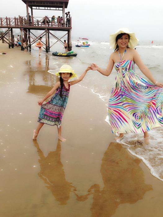 夏天過去了曬曬我和寶寶的海邊照_小說美文館