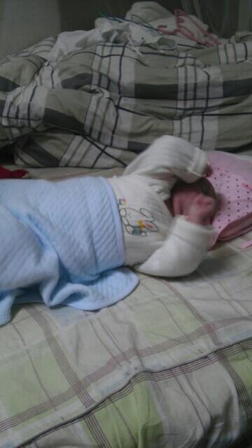 用品大全v用品。_长发母婴讨论使用头型中儿童扎头发宝宝图片