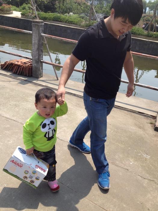 【成长记】一岁半宝宝第一次来儿童乐园,挑战