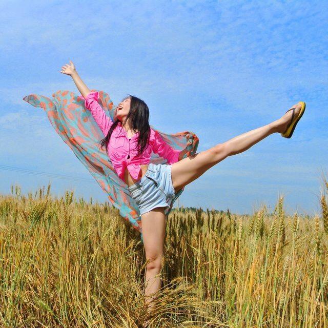 拍照最爱各种跳!跳跳跳跳看我飞起来!_谈天说挑山工说课稿+江西教育资源网图片