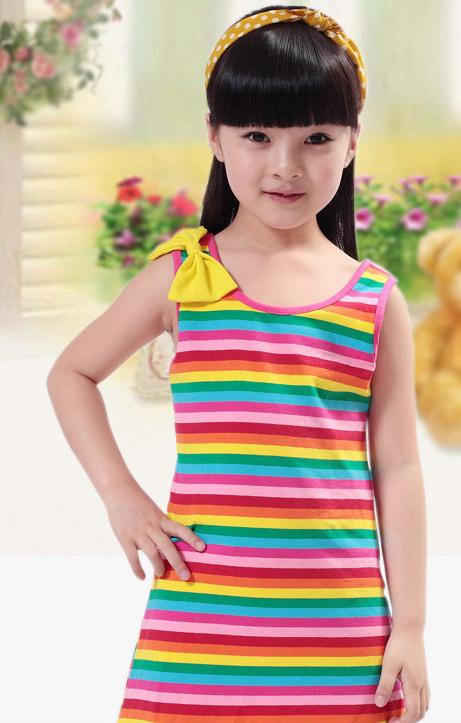 女孩女彩虹童女生特价连衣裙中大条纹裙全棉被背心很容易欺负图片