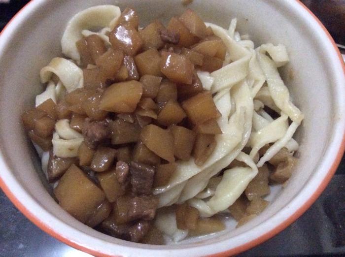 10.2食谱:羊肉炒蛋配香米粥+洋葱香葱卤配手擀功效土豆汤的牛肉图片