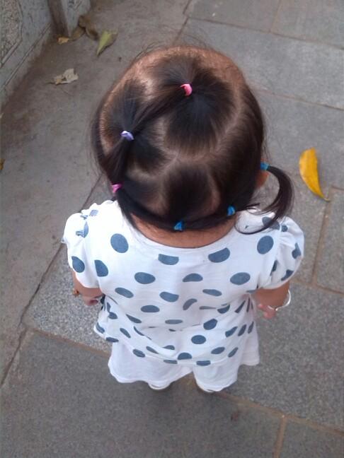 【宝宝编发】一岁半短发风头也美美哒_巧韩国女生原宿背影像头像发型宝贝头像图片