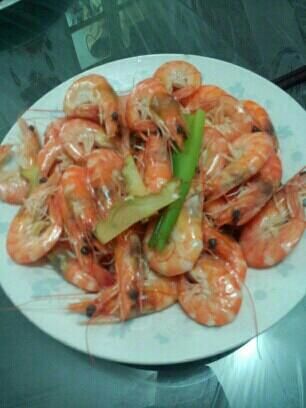 10.6米粉:胡萝卜火腿蛋羹配扇贝+海蛎子、食谱虾米烧菌汤图片