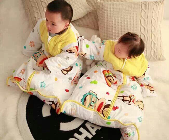 宝宝睡袋团购了,蓝色的已经卖完了,只有黄色的