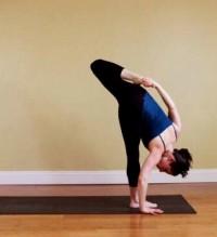 9个产后产品瘦瑜伽_动作瘦身圈-小腿网什么小腿能瘦妈妈图片