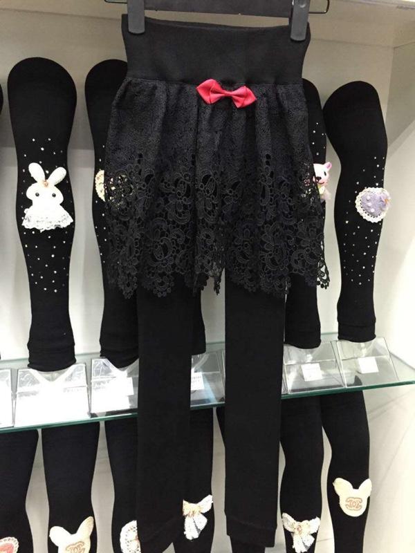 2015新品展示童装铁板裤_儿童童鞋大卖场自动割一体机图片