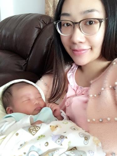 宝妈们涨奶的时候乳房会有发热针扎的感觉吗?