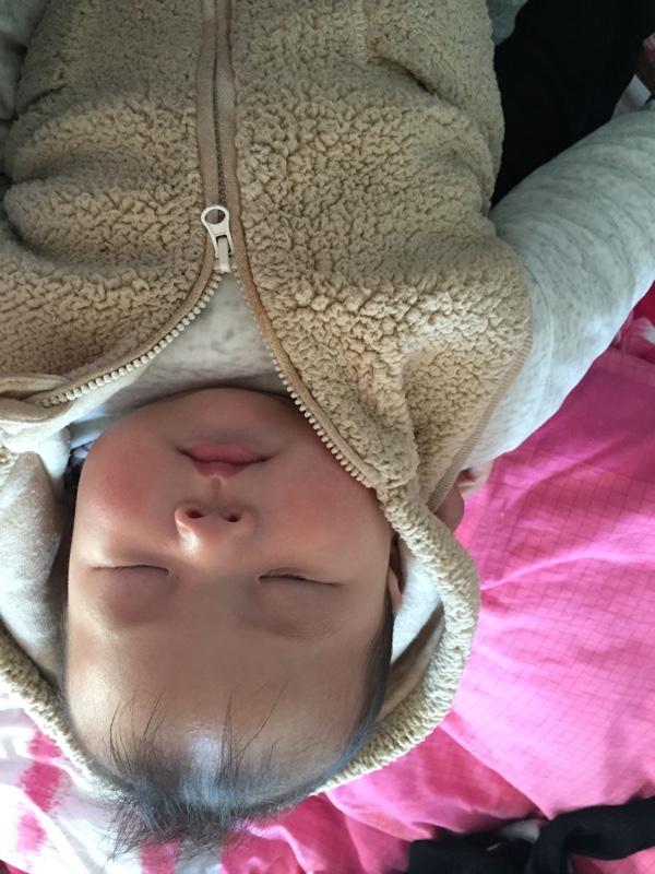 宝宝一晚上哭闹十多次怎么办?_0-1岁宝宝圈
