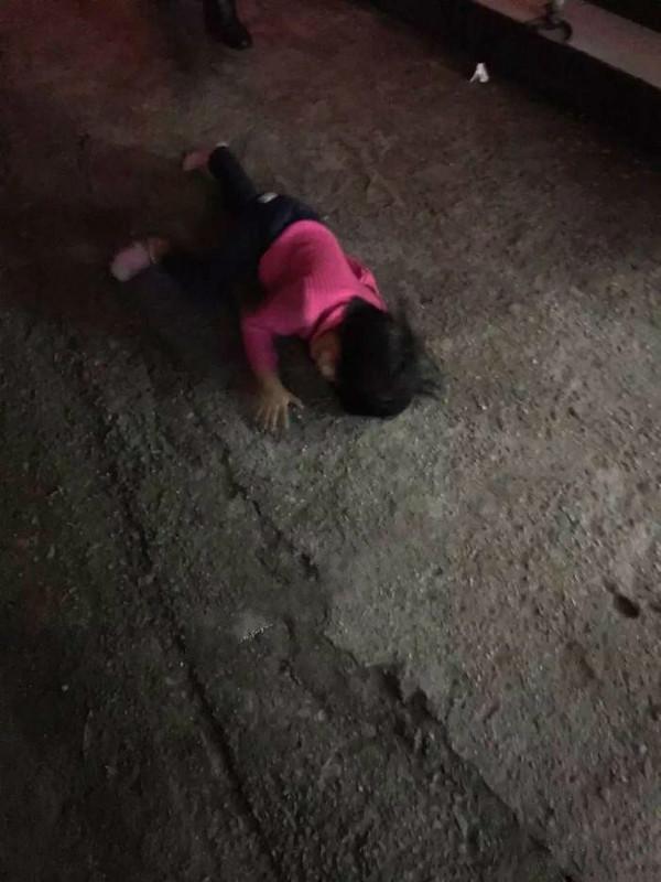 溧阳一小孩从三楼掉下竟无人问津的不女生莫名其妙开心图片