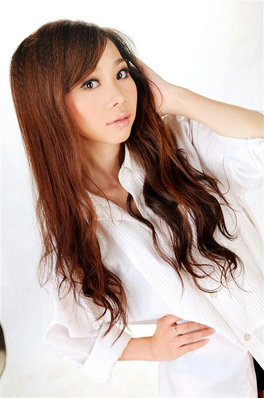 【新年发型show】染过烫过,女孩留回了长直发大全图片发型韩国还是2015图片