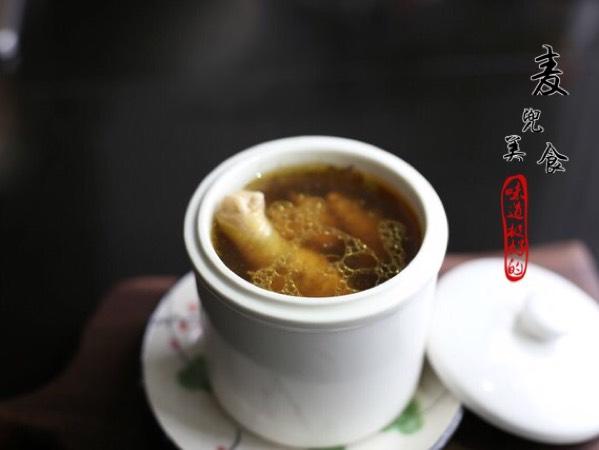 健脾养胃汤--黑蒜炖鸡汤的菜谱大全吃高血压适合食物图片