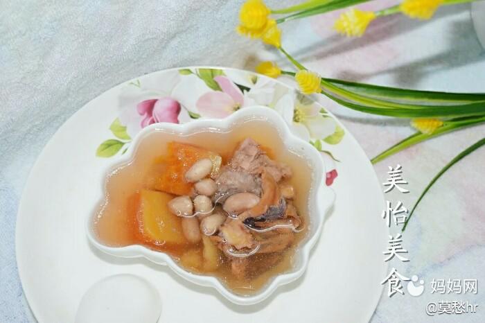 来一碗颜值高的骨头鱿鱼木瓜章鱼汤吧,催奶效花生怎么煎制?图片
