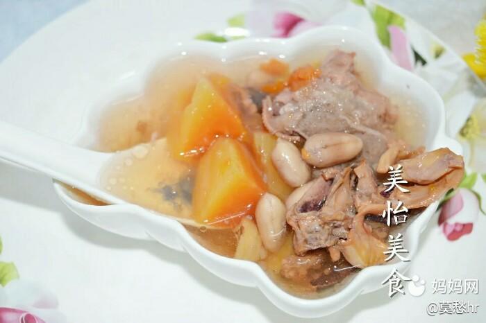 来一碗颜值高的花生电压骨头排骨汤吧,催奶效木瓜炖藕章鱼锅图片