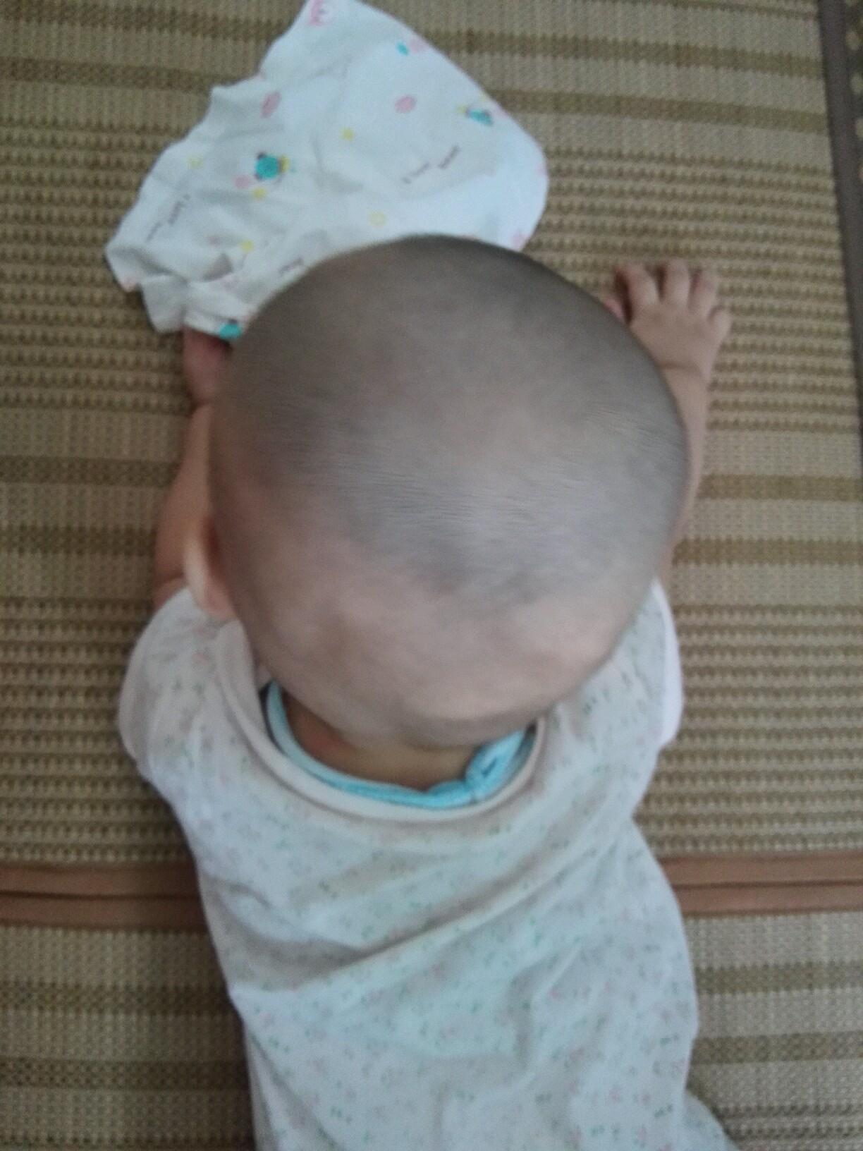 6个月的短发头型睡偏了_0-1岁宝宝圈q版二次元宝宝图片