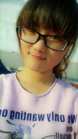 有戴眼镜的妹子嘛_校园风云榜