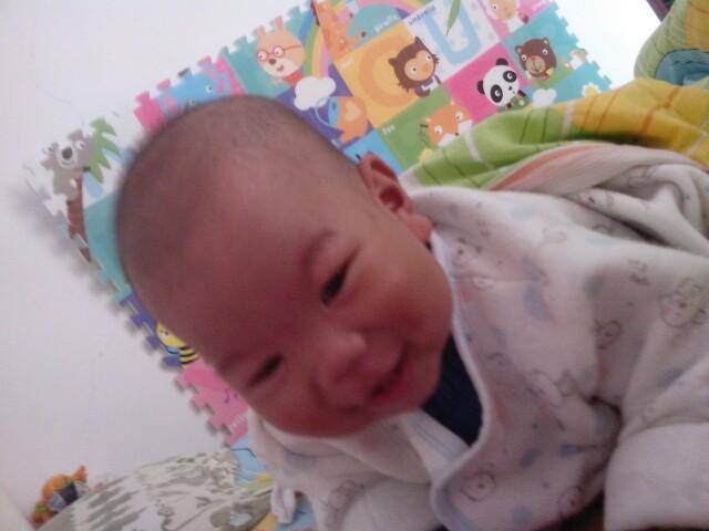 宝宝喜欢趴着睡觉_婴幼育儿圈