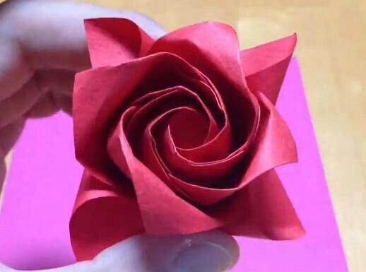 玫瑰花,用纸折的