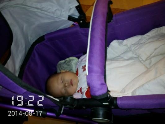 分享带婴儿宝宝坐飞机如何准备的经验