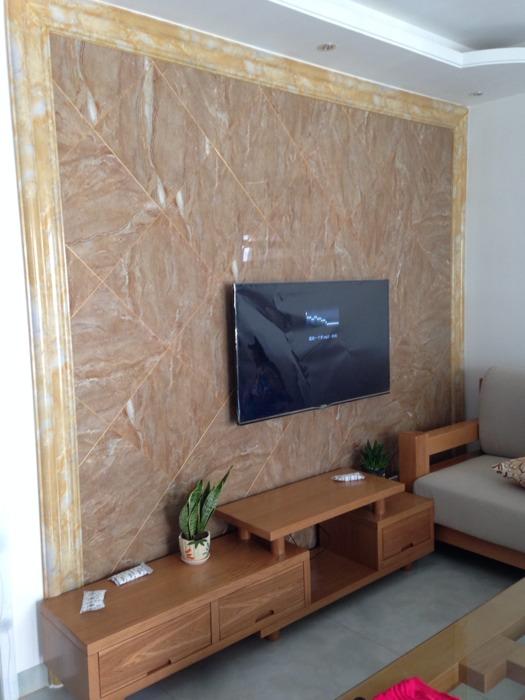 客厅电视背景墙贴墙纸好还是贴瓷砖好