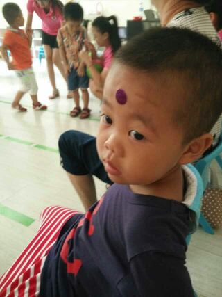 幼儿园餐厅宝宝爱吃饭宣传图片