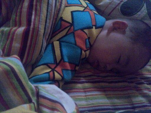 宝宝睡觉的样子