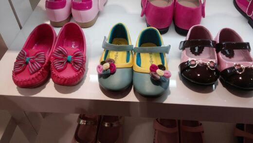 宝宝的鞋子好可爱