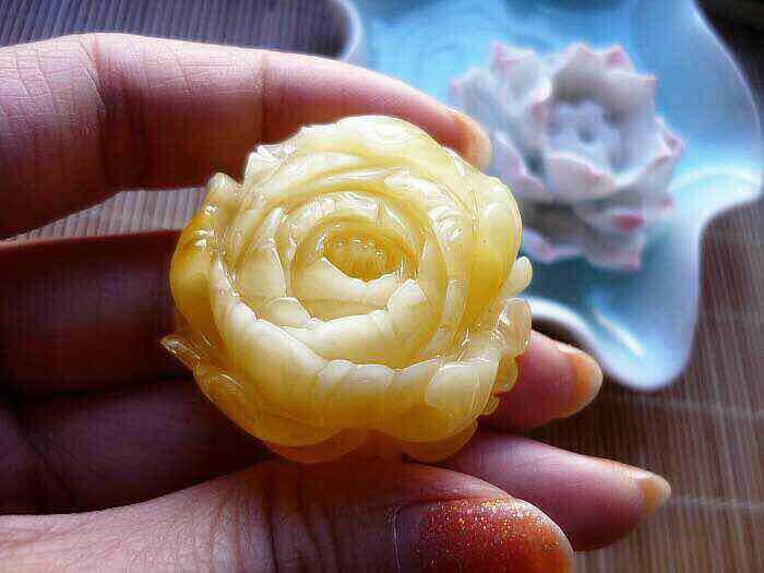 满蜡立体雕刻牡丹花
