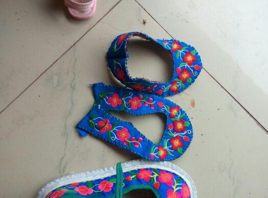 手工绣花背带,手工绣花鞋,有没有喜欢的呢