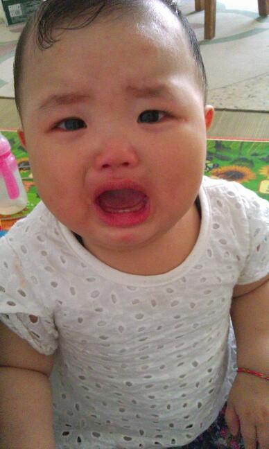 我敢秀】可爱的宝宝哭起来也让我心碎