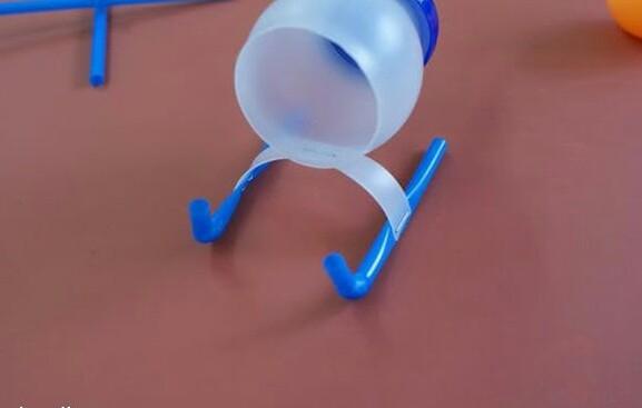 简单版得幼儿园手工制作之飞机