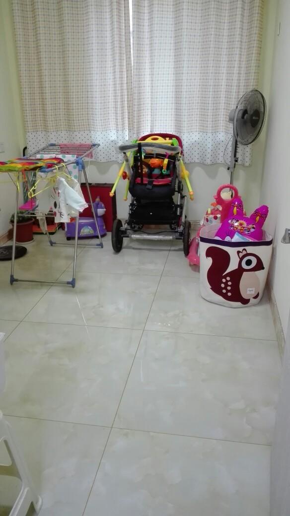 小卧室 等宝宝大了打算买个上下床和书桌