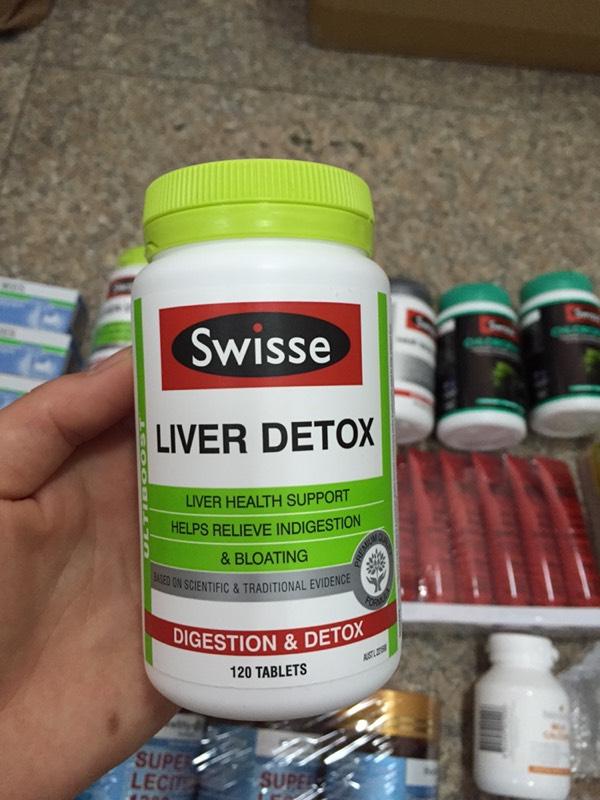 引起长斑、爆痘、脂肪肝、酒精肝 护肝片可促进肝细胞修复再生,增