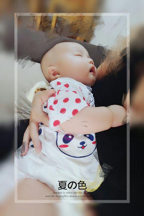 宝宝哭闹一个人带娃心好累