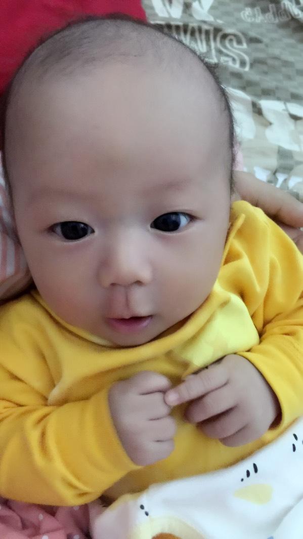 刚出生婴儿可爱图片