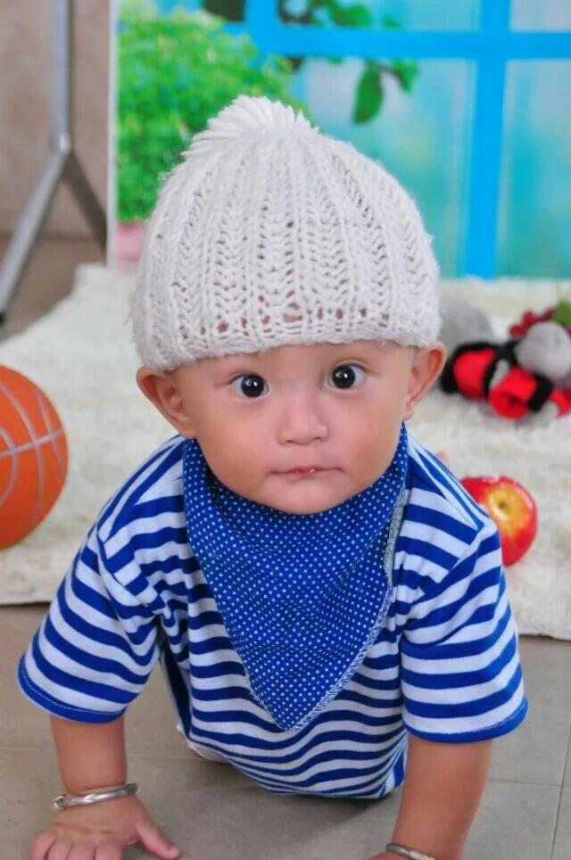 qq小孩带帽子头像可爱萌娃
