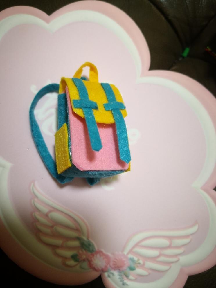 手工自制不织布迷你小书包,看看有多可爱