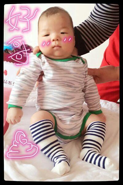 宝宝终于胖起来了,真高兴 生日2015年02月宝宝圈