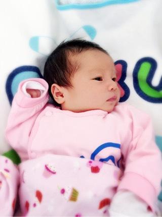 报喜,准时的女宝宝出生了 生日2015年05月宝宝圈