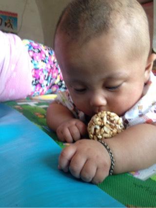 可爱的吃货小孩图片