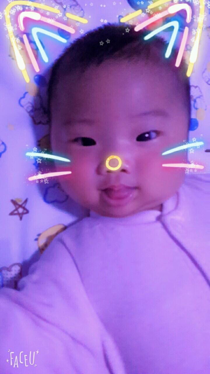 宝宝4个月了,爱伸舌头正常吗_0-1岁宝宝圈