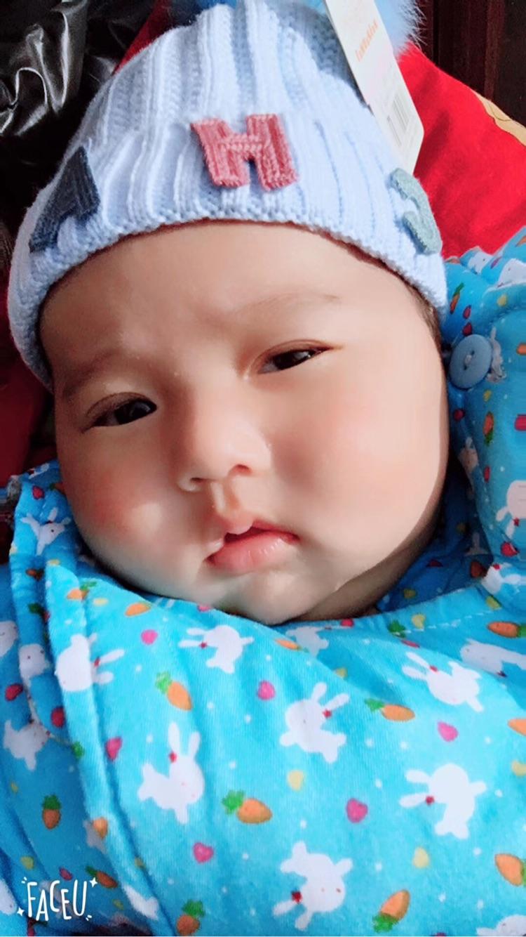 两个月宝宝老是吐奶怎么回事_0-1岁宝宝