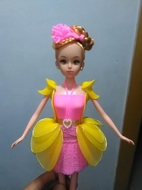 芭比娃娃是怎么做的