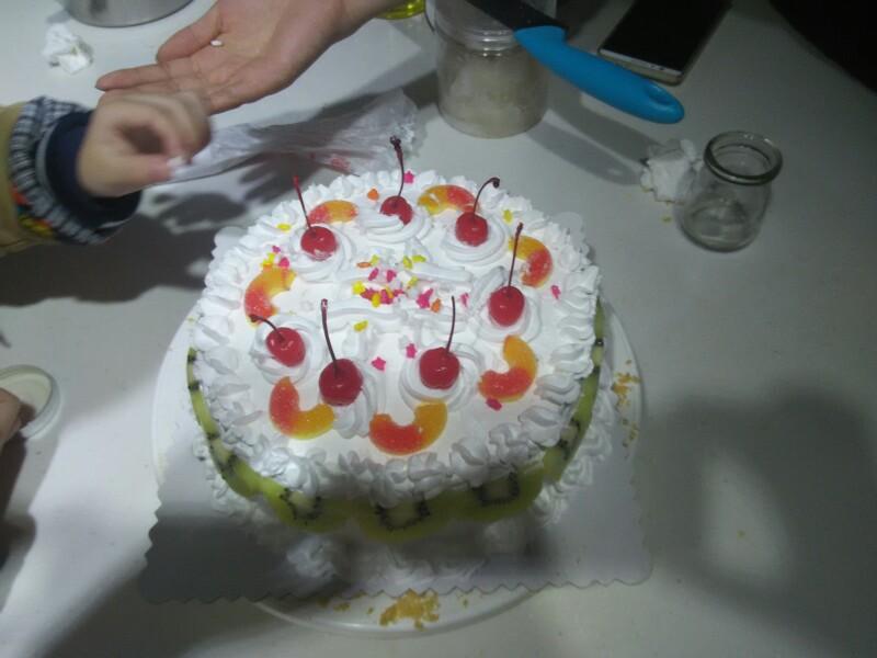 一次 生日蛋糕/和大儿子第一次亲自做的3岁生日蛋糕。