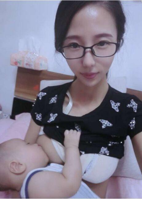 吃小女生奶水小说_都快成奶牛了,别看胸小但是奶水就是足,要的宝妈来接啦